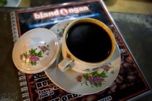 Secangkir kopi hitam Blandongan